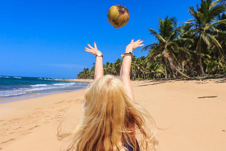 Entdeckungstour rund um Punta Cana | La Vacama - Kokosnusswerfen