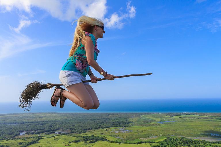 Entdeckungstour rund um Punta Cana | Montana Redonda - Sprung mit Besen