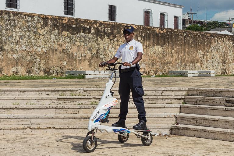 Santo Domingo Ausflug | Plaza de Espana - Polizei